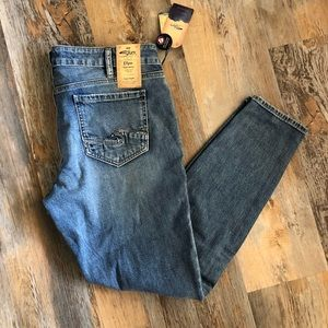 Silver Jeans NWT